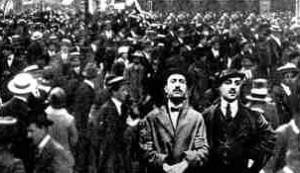 TUMULTI 1915
